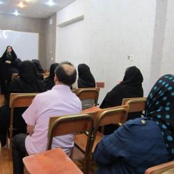 همایش فرهنگ رفتار خانواده و دانش آموز خانم مهندس احمدی