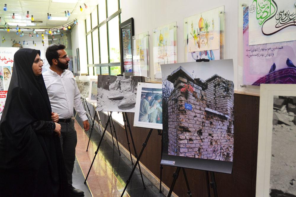 visitors-head-of-the-media-institute-of-peace-of-sacred-defense-exhibition-solhodoosti-5